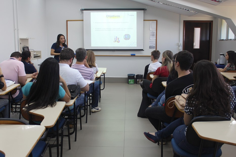 Apresentação dos orientadores e bolsistas do Ensino Médio
