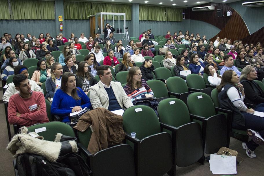 Acadêmicos de Pedagogia e Psicologia estiveram presentes na Jornada