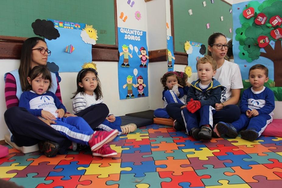 As crianças estavam entusiasmadas com a visita