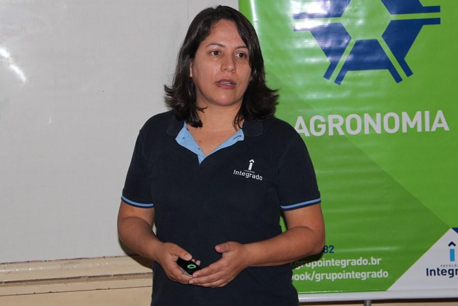Nádia, coordenadora de Agronomia, falou sobre a empregabilidade