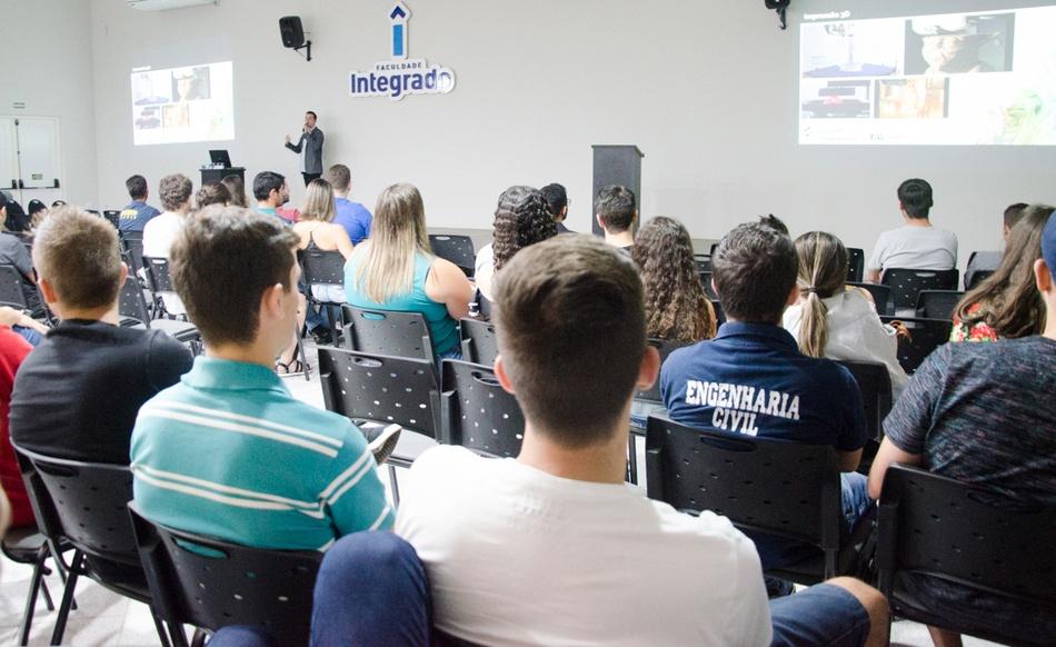 Evento contou com estudantes dos cursos de Arquitetura e Urbanismo, Engenharia Civil e Engenharia de Produção da Faculdade Integrado