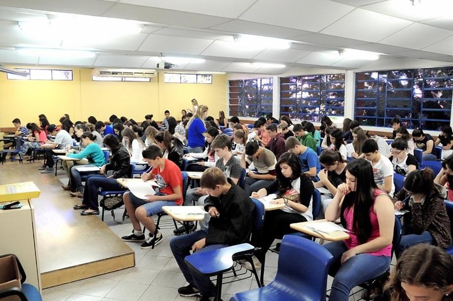 Mais de 200 inscritos participaram do Vestibulinho 2015