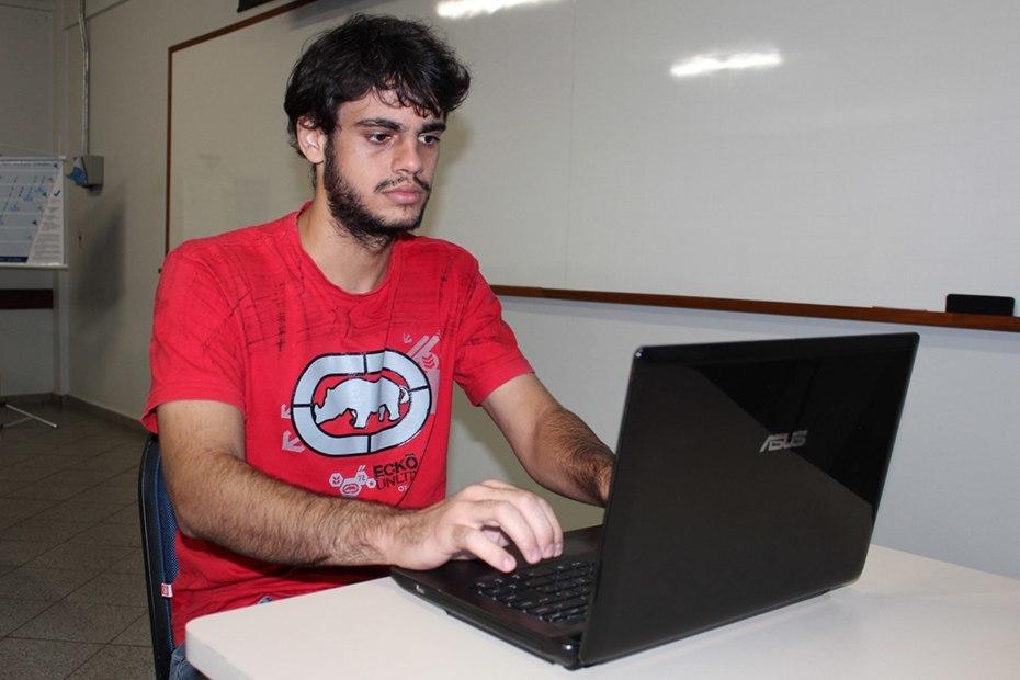 Elito é bolsista do Programa de Iniciação Científica do Conselho Nacional de Desenvolvimento Científico e Tecnológico (CNPq)