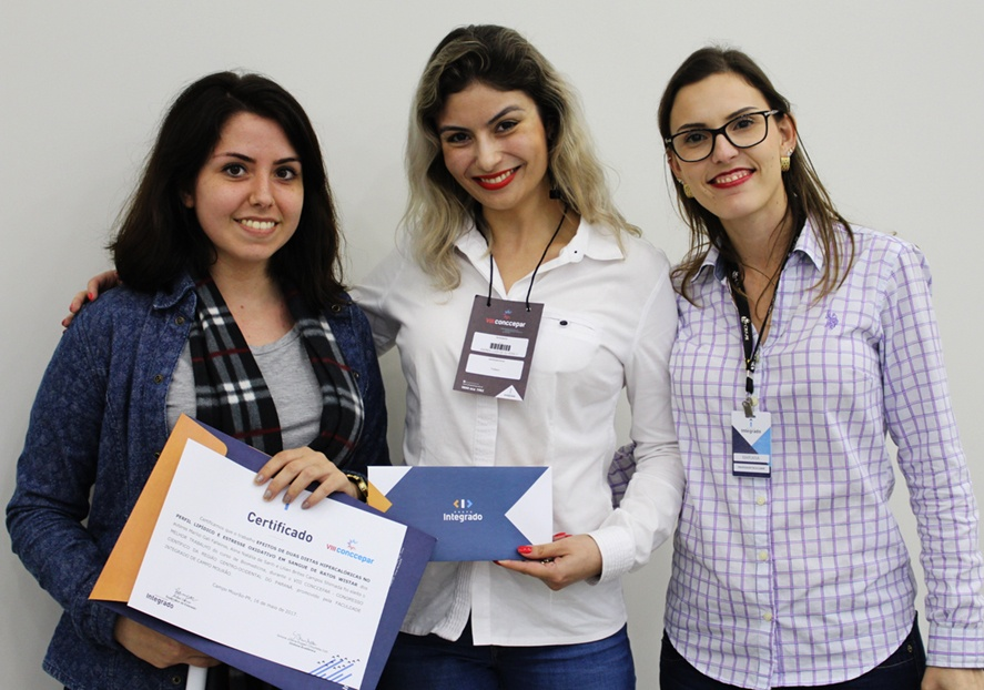 Entrega do prêmio para o melhor trabalho de Biomedicina