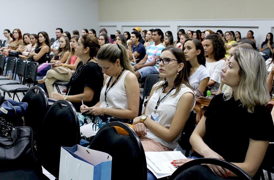Estudantes e professores receberam palestra sobre os órgãos da categoria