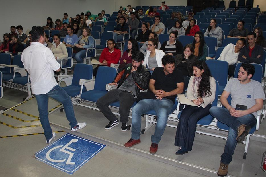 Evento reuniu dezenas de alunos do Ensino Médio