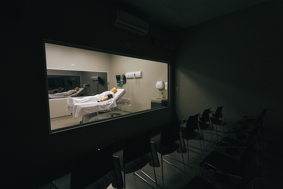 Laboratório de Simulação Realística - sala onde acontece a discussão do atendimento realizado