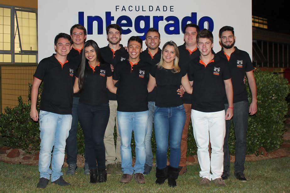 Integrantes da diretoria da Atlética Tigres
