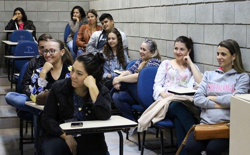 Público participante da palestra