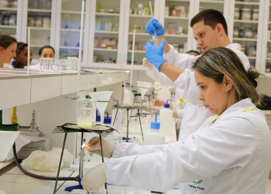 A redução do período de estudo passa a valer para os acadêmicos que vão iniciar a graduação a partir de 2018