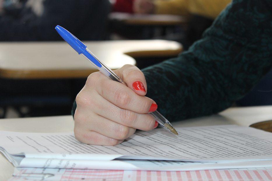 Instituições de ensino utilizam a nota do Enem como critério para garantir vaga