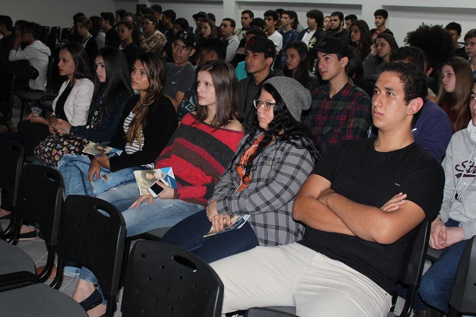 O Colégio Estadual Helena Kolody, de Terra Boa, também já participou da atividade