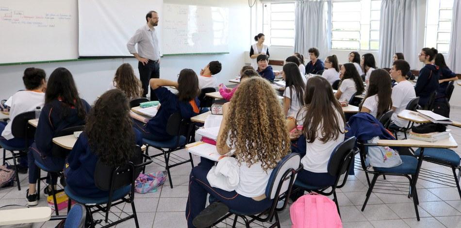 Plataforma possibilita ao estudante contato com nativos da língua