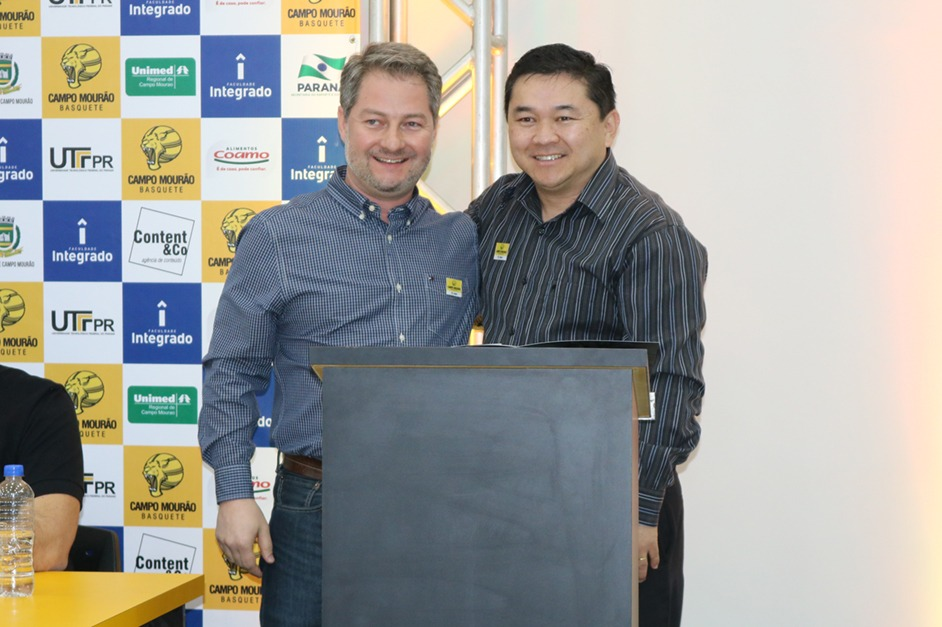 Representantes das empresas parceiras assinaram o termo de compromisso de patrocínio