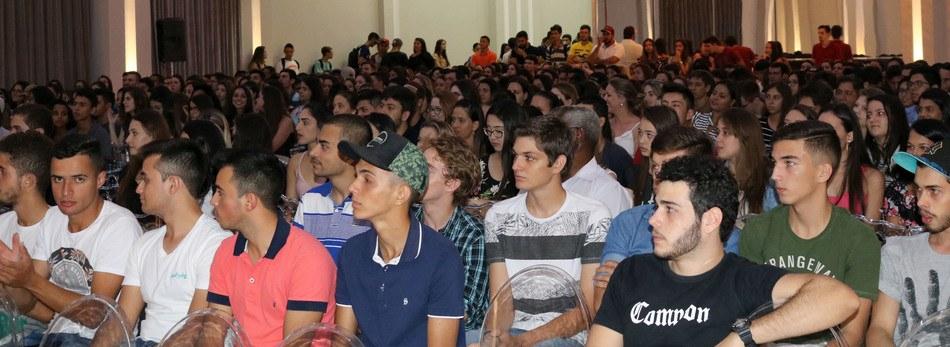 Prof. Nailor Marques Junior motivou os acadêmicos durante a palestra