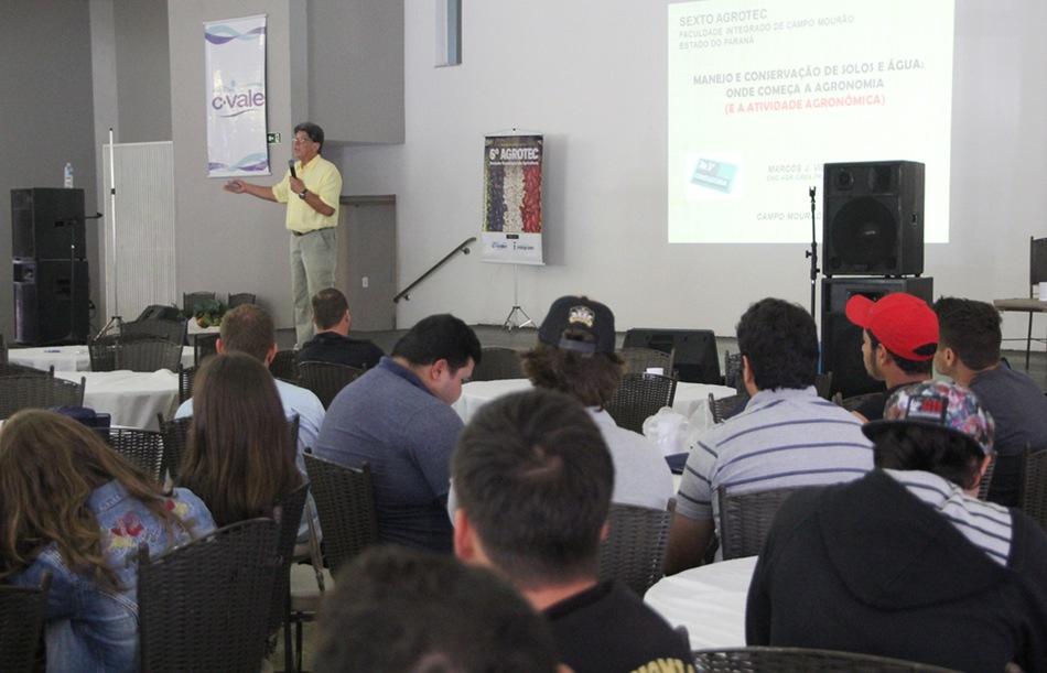 O evento contou com dois palestrantes