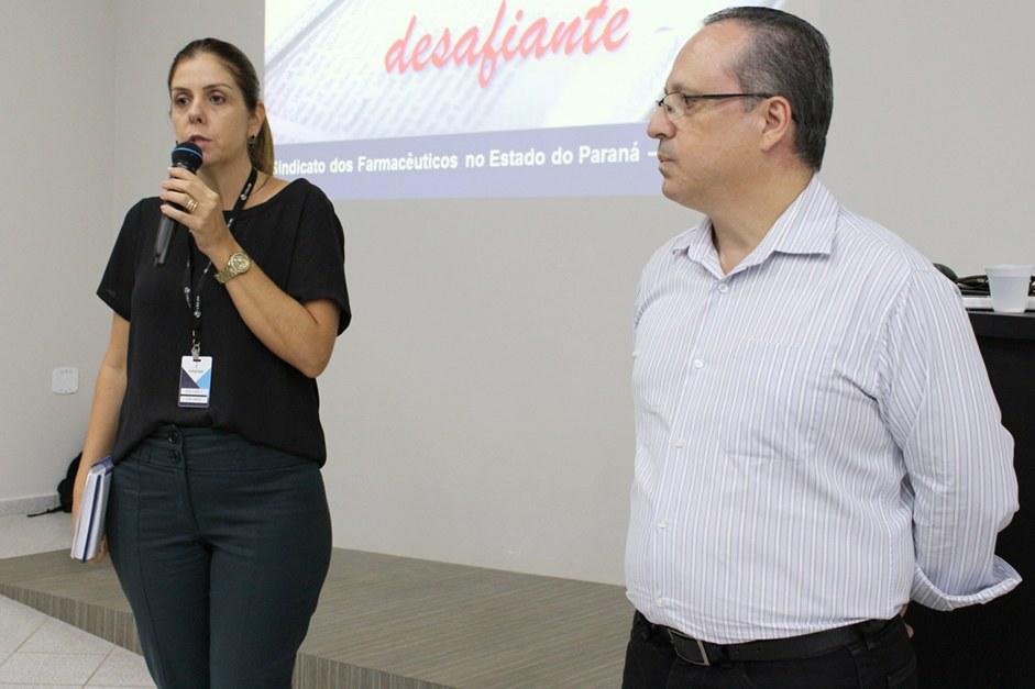 Ana Carla juntamente com o palestrante, Márcio Augusto