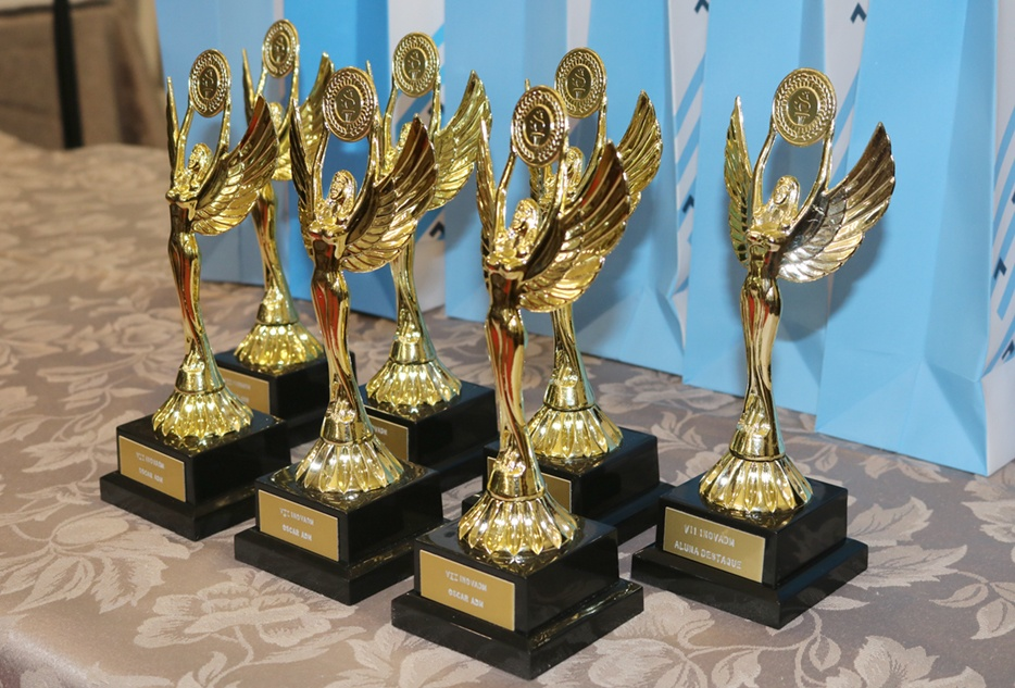 No jantar, foram premiados os vencedores dos torneios de voleibol e futsal e também revelado o grande campeão geral