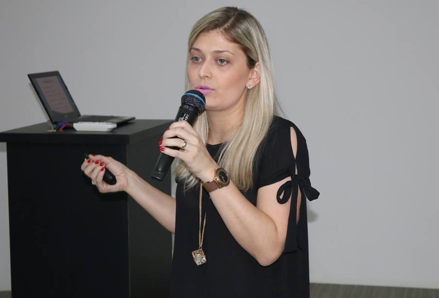 Fonoaudióloga Letícia Tomaz Miolla