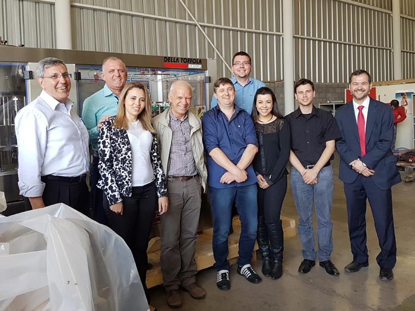 Della Toffola Sudamérica, fornecedora de alta tecnologia para vinícolas, foi outra empresa visitada