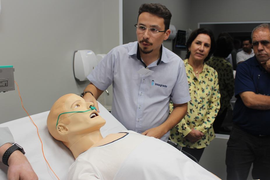 Na ocasião, foi realizada uma visita aos laboratório do novo curso