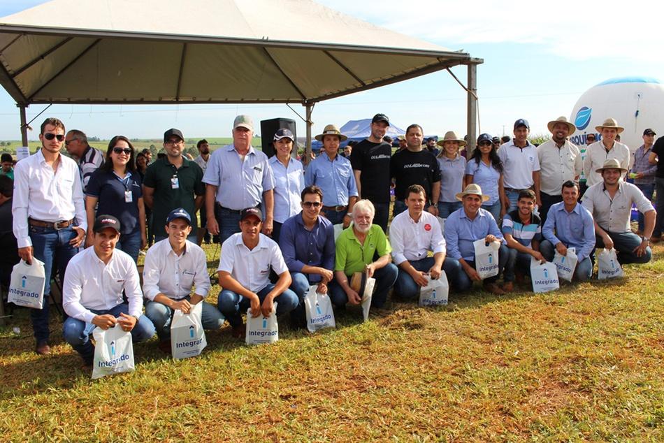 Representantes das empresas parceiras juntamente com professores do curso