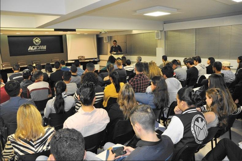 Professor e doutor Antonio Cesar Amaru Maximiano ressalta a importância de projetos para empresas