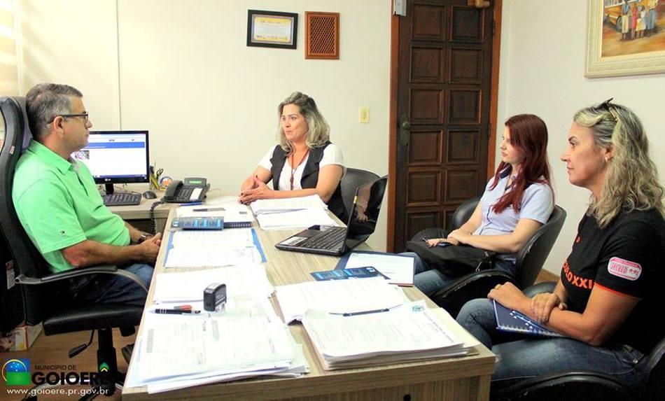 Secretário Airton com gestoras do Integrado