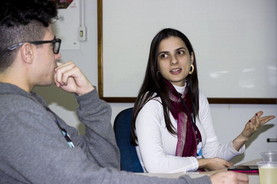 Professora Thaís conversou com os participantes sobre o filme