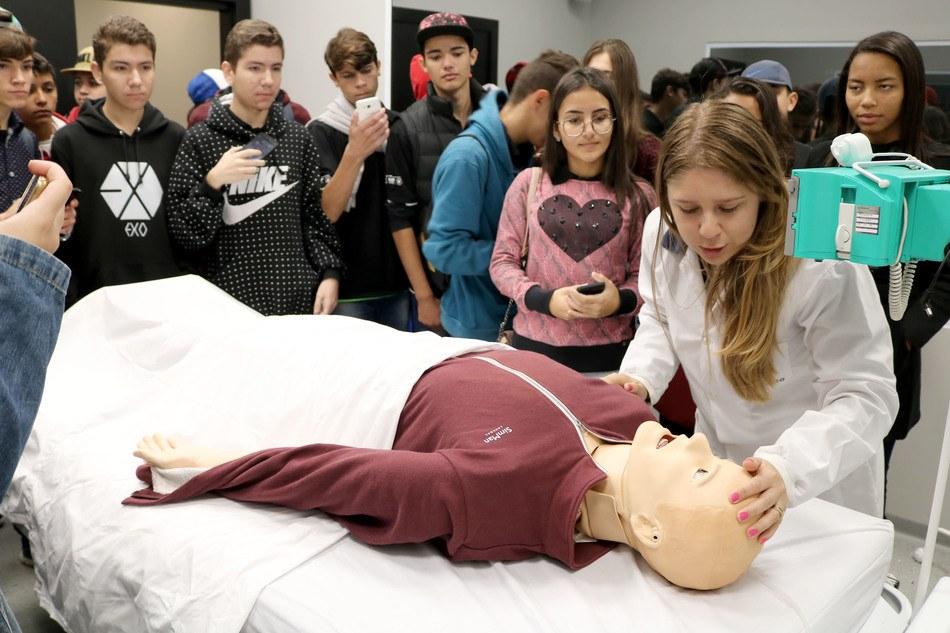 Escolas podem agendar uma visita ao Centro Universitário Integrado