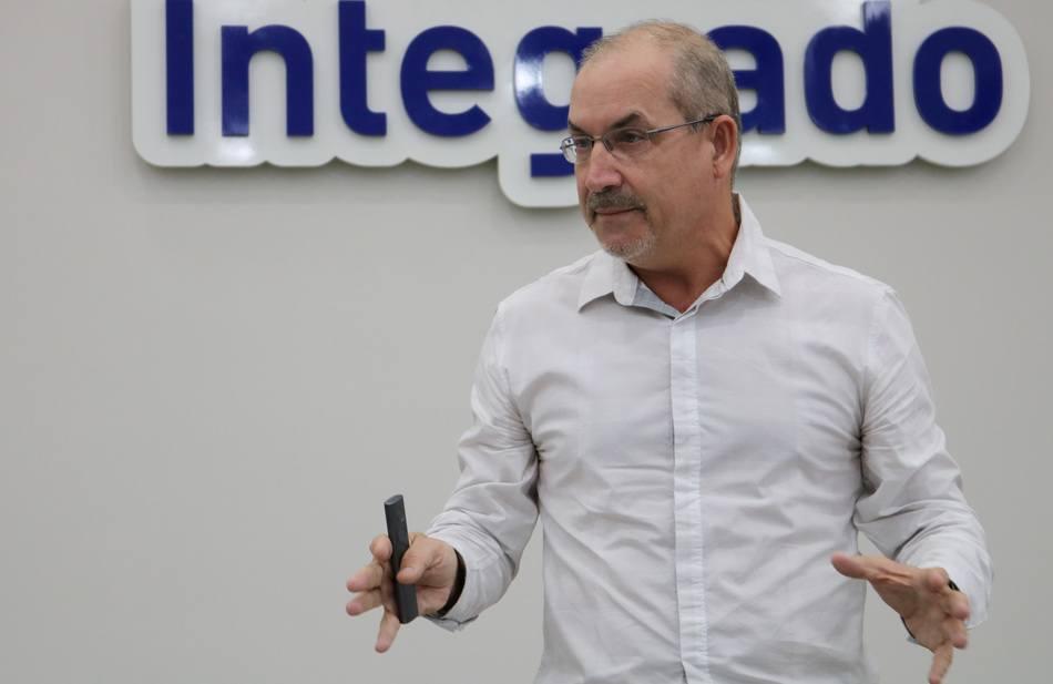 Palestrante Nailor Marques abordou o tema Tempos Líquidos: Vantagens Competitivas
