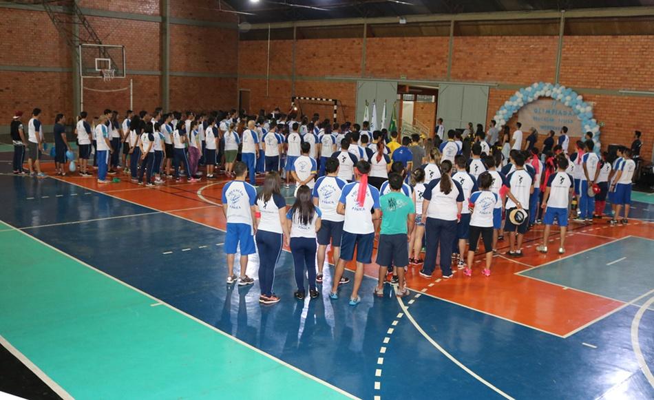 A cerimônia de abertura foi organizada pelos 6º períodos