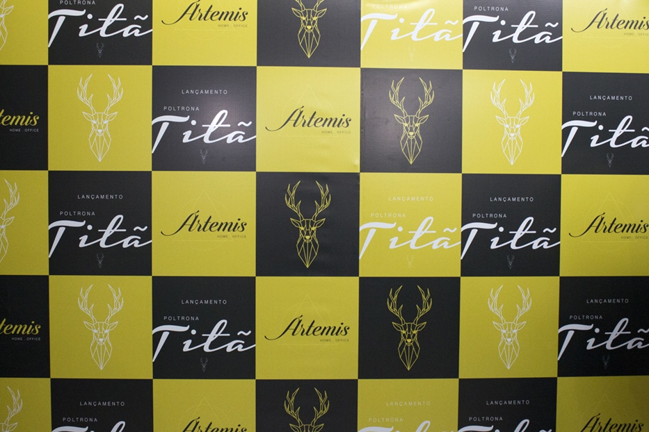 Backdrop oficial do produto