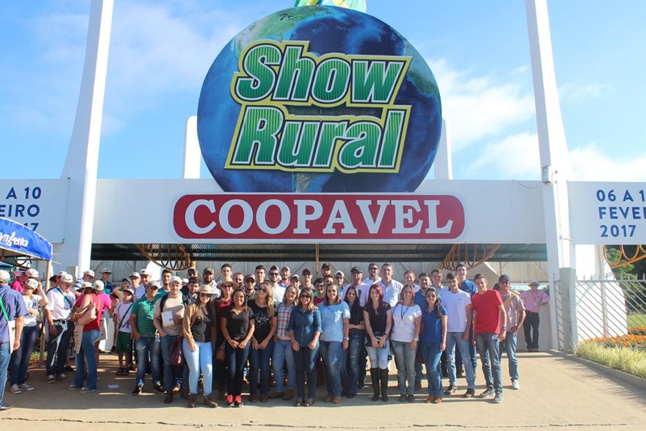 Acadêmicos e professores estiveram no Show Rural, tradicional feira de tecnologia do Paraná
