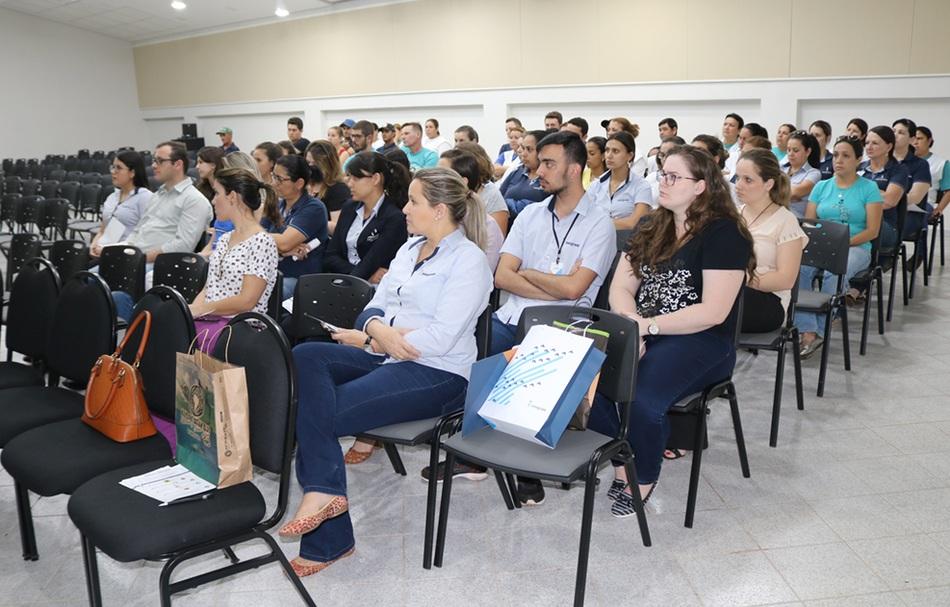 A palestra fez parte da Semana Interna de Prevenção de Acidentes do Trabalho (SIPAT)