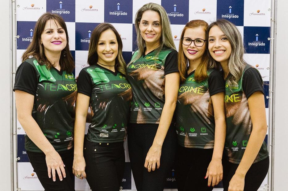 Equipe da Farmácia de Manipulação Fórmula Ativa (Foto: Rodrigo Schu)