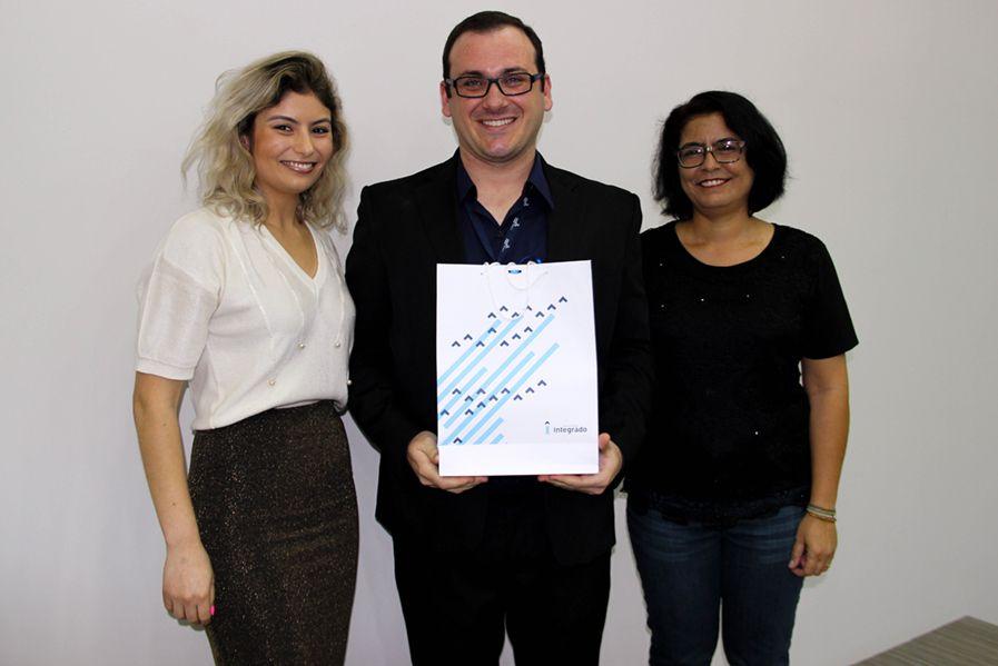 Andrea Valoto, Rafael Zampar e Cristina Almeida são os organizadores do livro