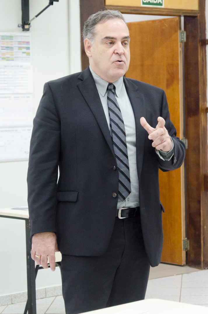 O desembargador Roberto Norris foi o convidado da especialização em Direito Civil e Processual Civil