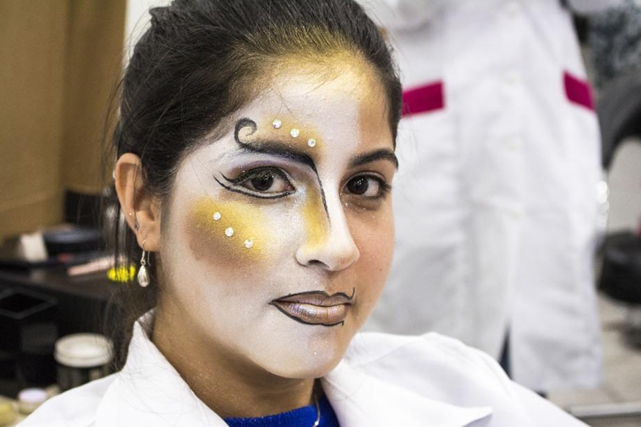 As acadêmicas foram as modelos da maquiagem
