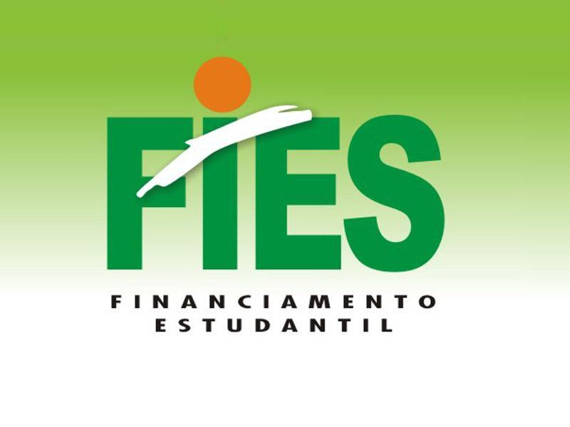 Para se candidatar ao Fies, um dos critérios é ter alcançado no mínimo 450 pontos em alguma das edições do Enem a partir de 2010