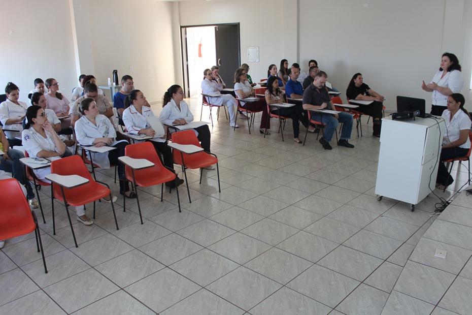 Apresentação do curso no Hospital Santa Casa de Campo Mourão