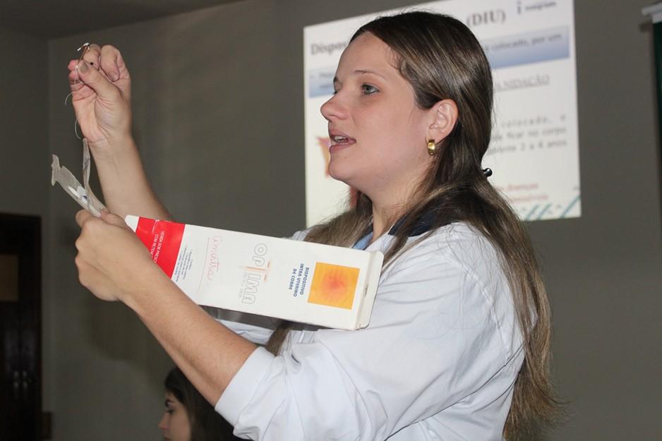 A manhã foi de muita informação com Rejane, coordenadora do curso de Biomedicina