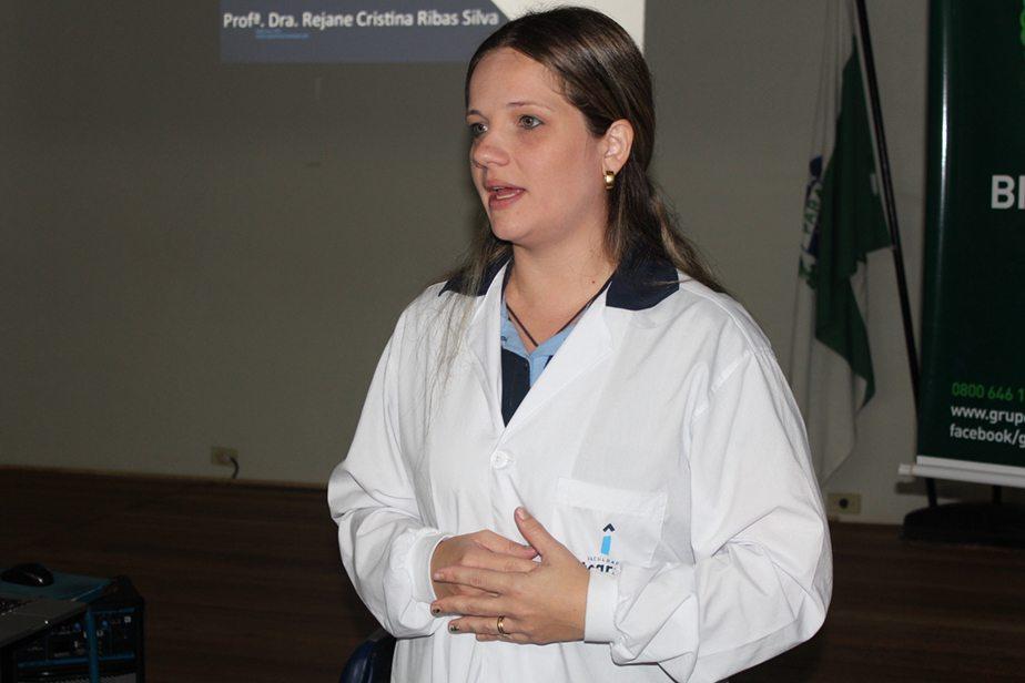A manhã foi de muita informação com Rejane, coordenadora do curso de Biomedicina da Faculdade Integrado