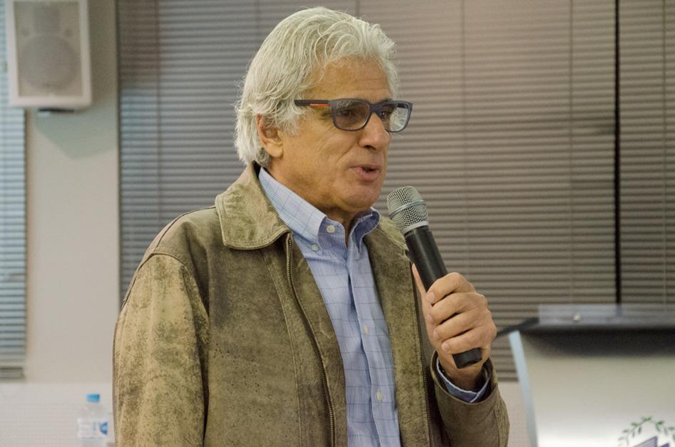 O PhD Alexandre Luzzi Las Casas falou sobre a necessidade de reinventar o varejo