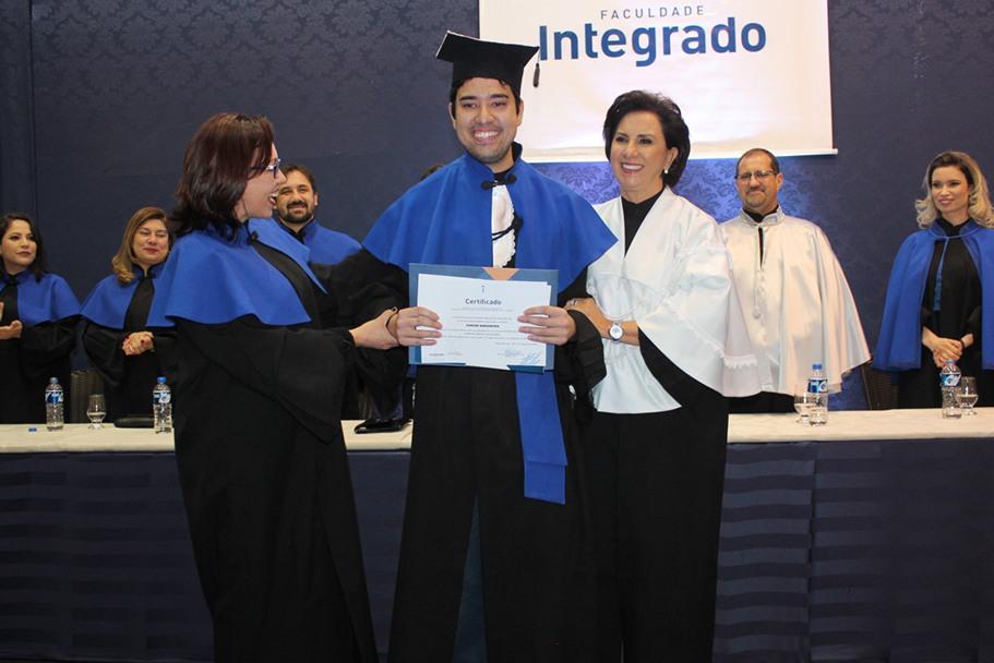 Junior Nakamura, agora tecnólogo em análise e desenvolvimento de sistemas, foi o estudante que atingiu a maior média entre os estudantes de todos os cursos