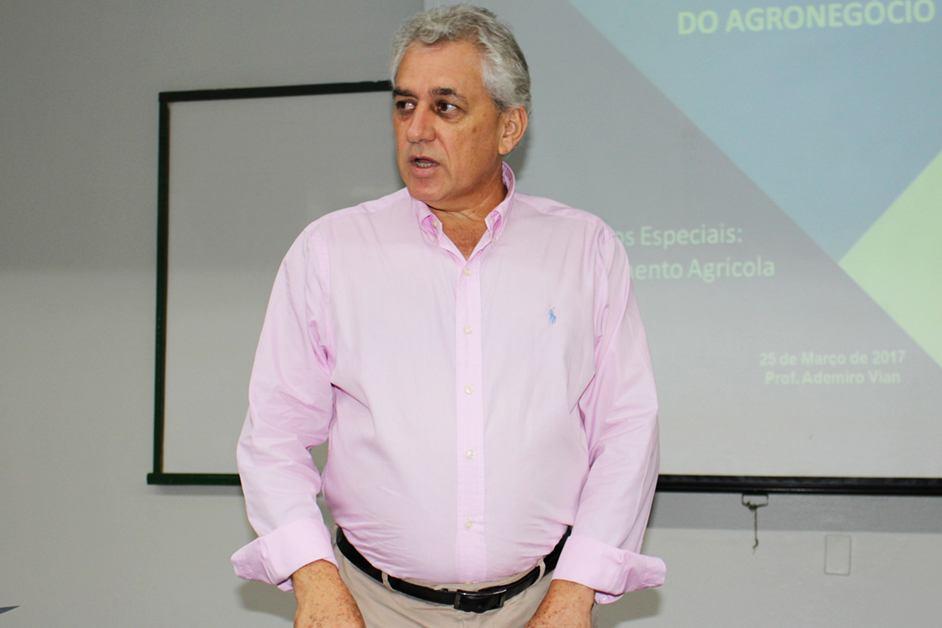 Ademiro falou sobre a política agrícola brasileira